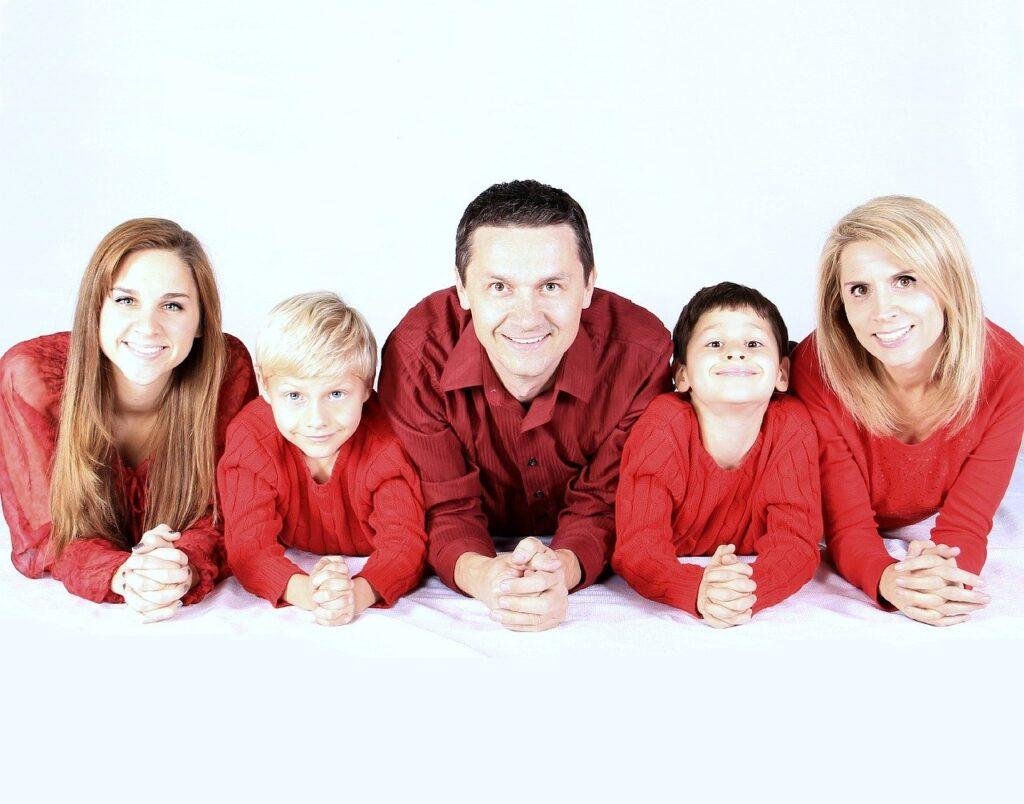 family, kids, happy-521551.jpg